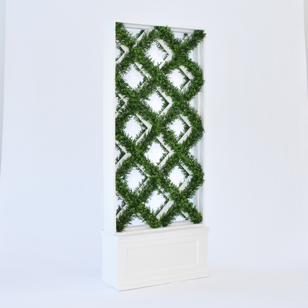 faux lattice hedge