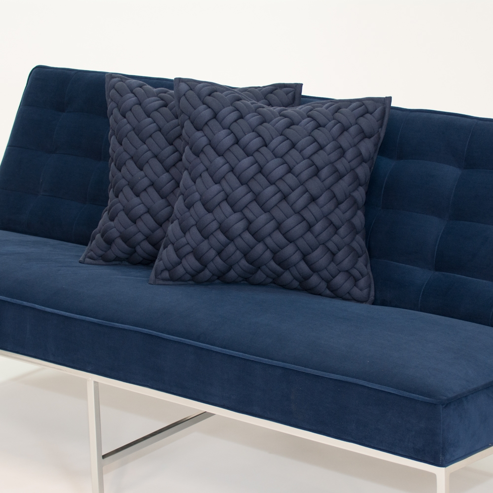 Additional image for interlock pillow blue