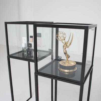 Additional image for showcase vitrine black