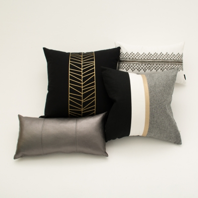 Additional image for center foil pillow