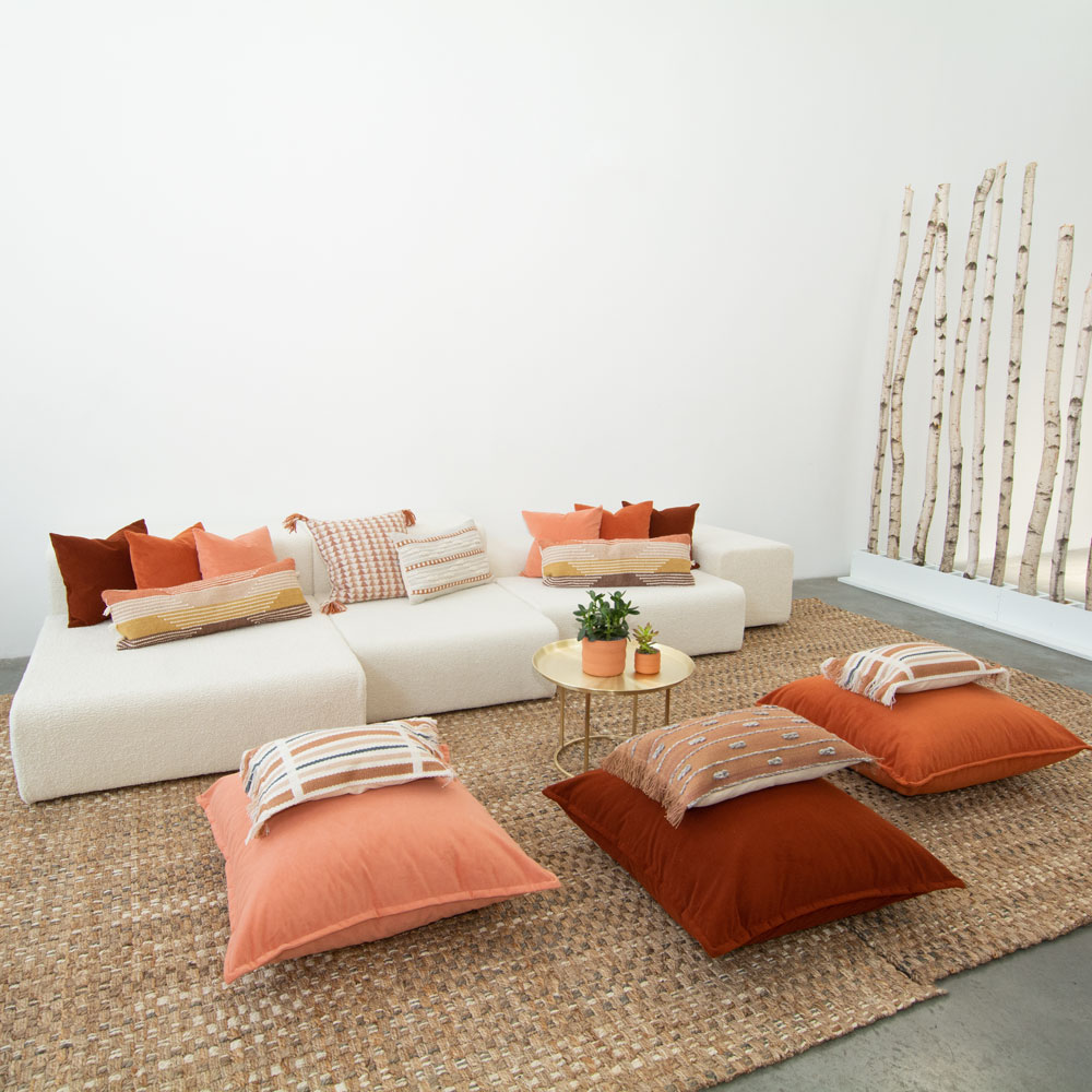 Additional image for papaya velvet pillow
