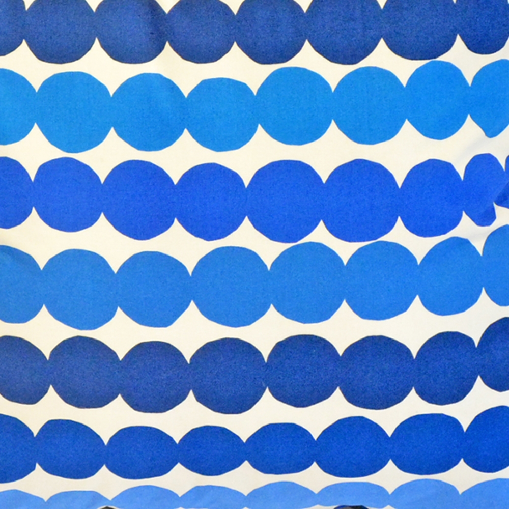 Additional image for blue bubbles pillow